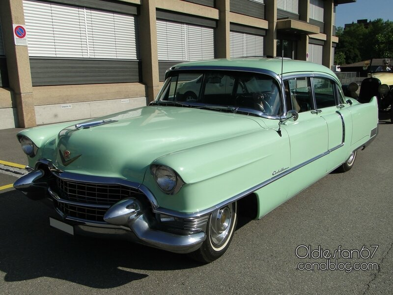 Cadillac series 60 Special Fleetwood 4door sedan-1955-01
