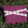 Trousse violette, en vinyle/ Purplely