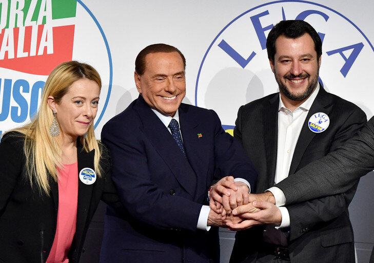 gauche-droite-Giorgia-Meloni-presidente-parti-Freres-dItalie-Silvio-Berlusconi-leadeur-Forza-Italia-Matteo-Salvini-Ligue-Nord-Rome-1er-2018_1_729_512