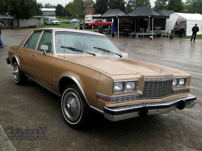 plymouth-caravelle-sedan-1983-01