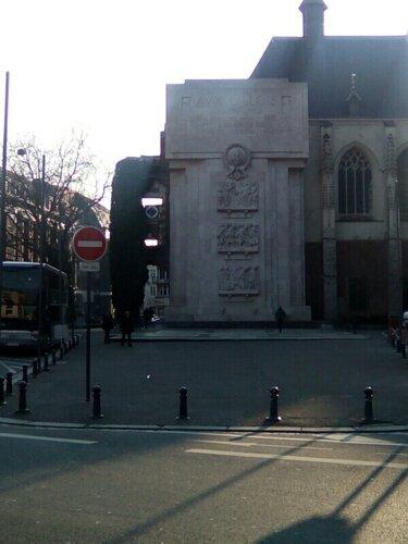 Office du tourisme, Rihour, monuments en mémoire des Lillois morts pour la Paix