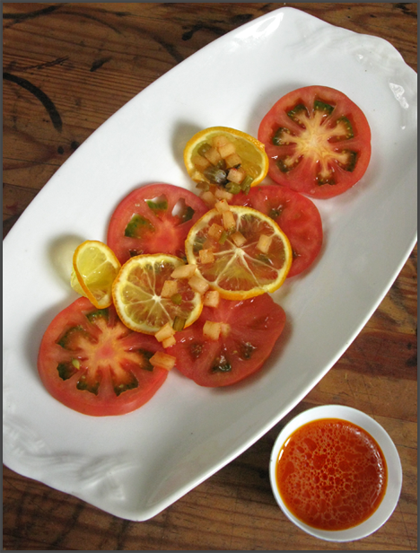 salade tomate sauce kimchi