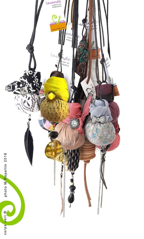 colliers lavande corpsvert12-2016