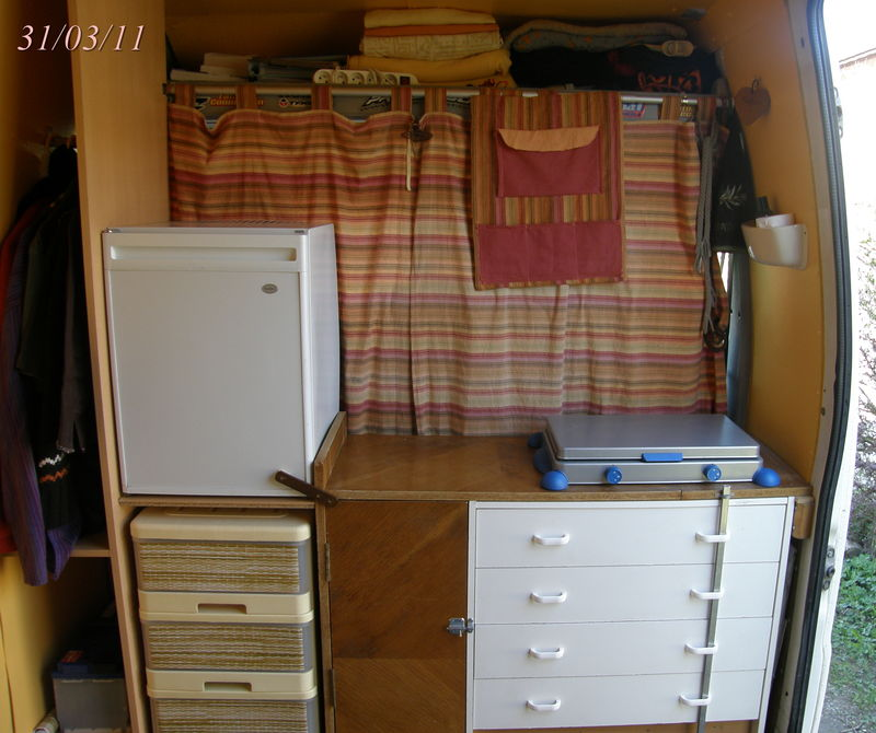 am nagement du fourgon libertao. Black Bedroom Furniture Sets. Home Design Ideas