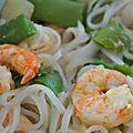 Nouilles chinoises aux crevettes à l'ail et aux agrumes