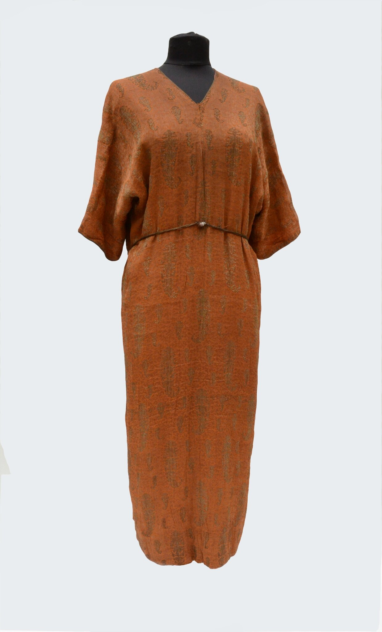 Attribuée à Paul Poiret: Robe tunique soie orange brochée or, Circa 1911