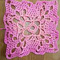 Carré au crochet version Rose