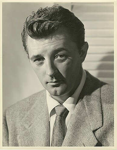 lot038-robert_mitchum_by_ernest_bachrach