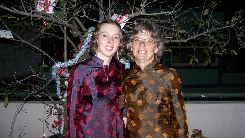 Ma maman et moi, en Ao Dai pour l'occasion!
