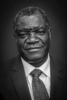 http://fr.wikipedia.org/wiki/Denis_Mukwege#mediaviewer/File:Denis_Mukwege_par_Claude_Truong-Ngoc_novembre_2014.jpg
