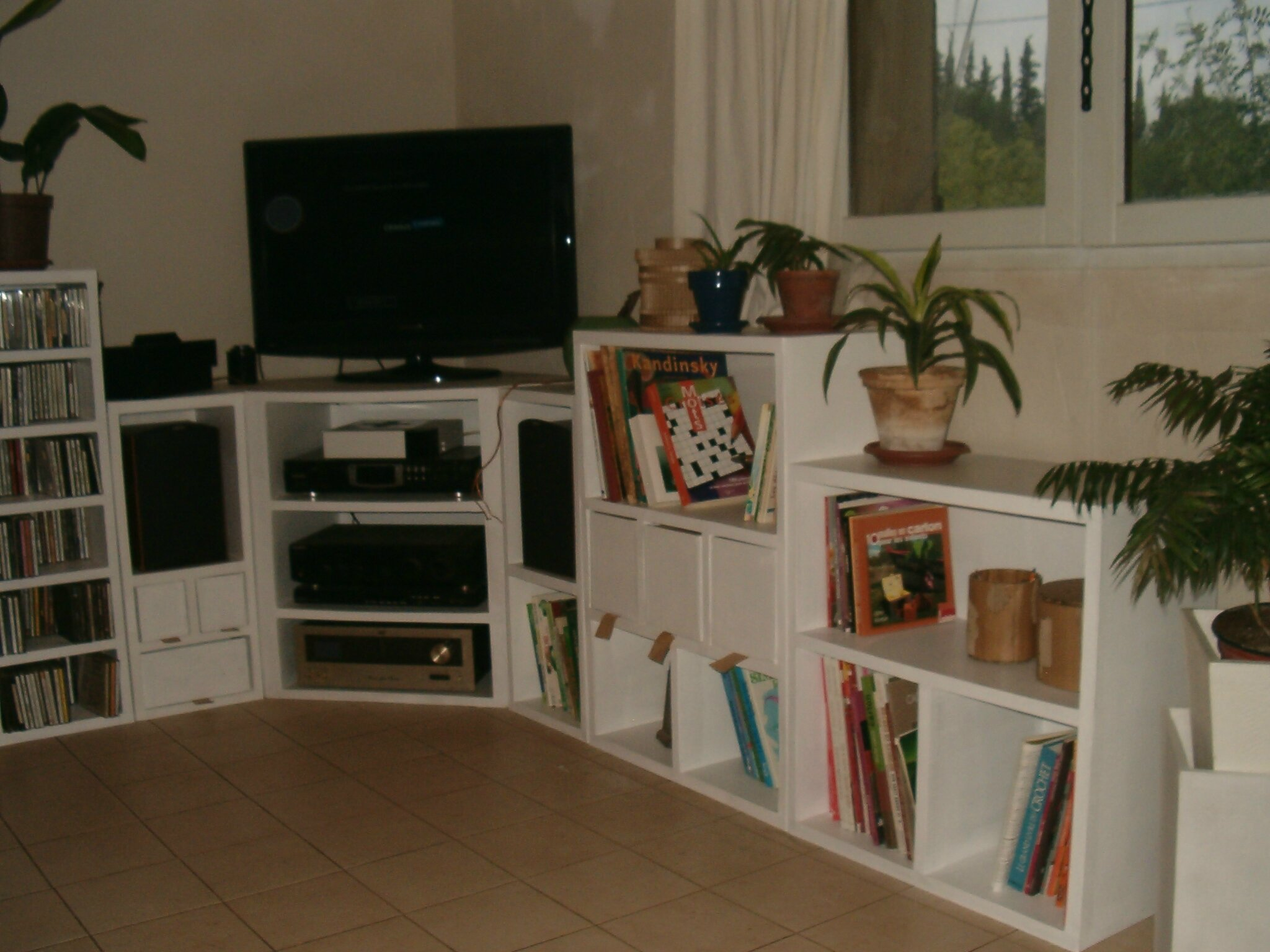 Module tageres tv hi fi porte enceintes salagou carton for Meuble hifi d angle