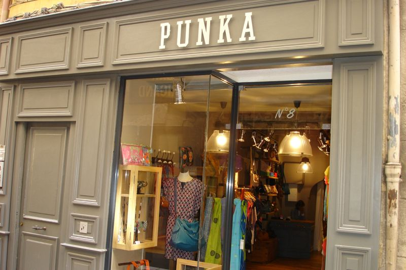 la boutique punka 8 rue fauchier aix en provence vous accueille dans son univers punk a. Black Bedroom Furniture Sets. Home Design Ideas