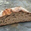 Un pain au blé noir des monts d'arrée cuit sur ardoise pour mona ozouf et l'ecole des filles
