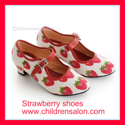 strawberry_shoes