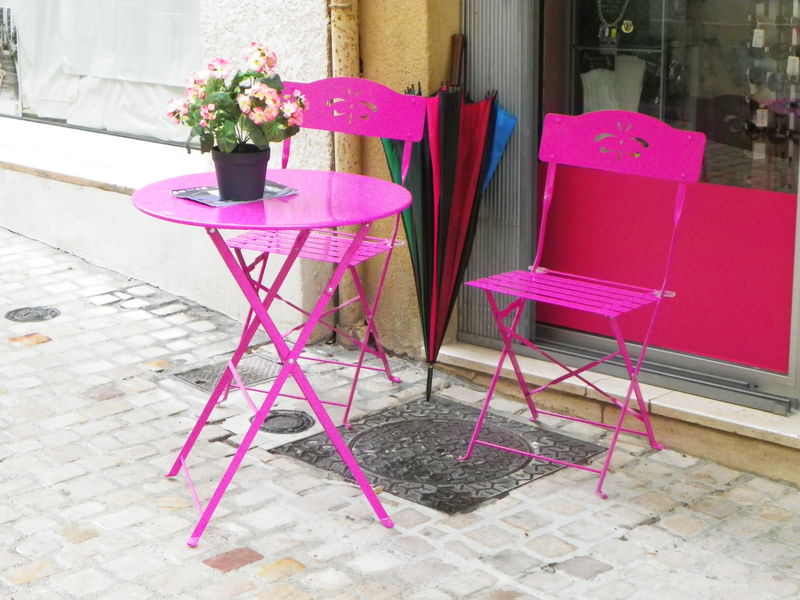 Awesome petite table de jardin rose images amazing house - Table jardin rose ...