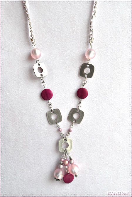 Collier printemps rose