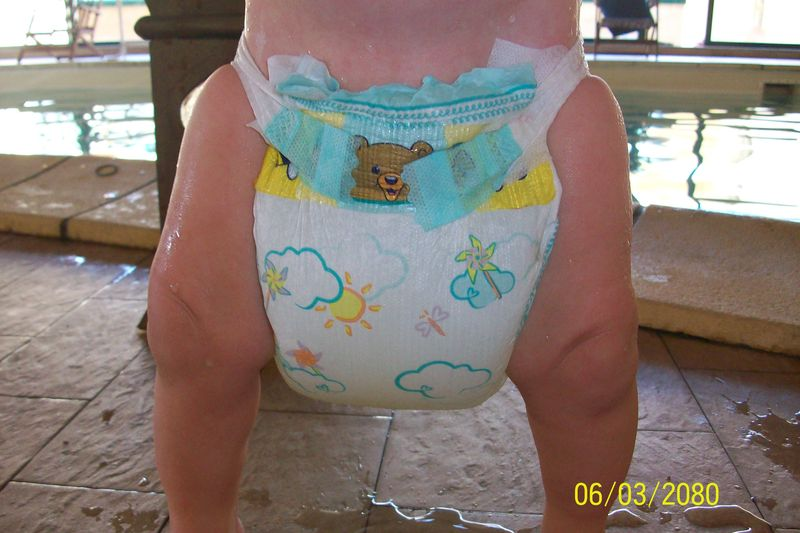Maillot de bain couche pampers for Pampers couche piscine