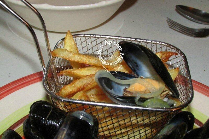 Moules de pleine mer Atlantique et frites maison 008