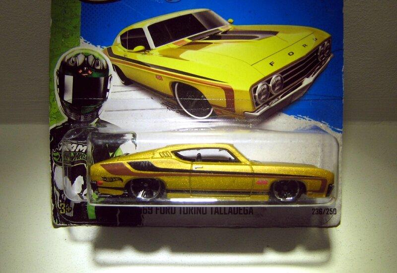Ford torino talladega de 1969 (2013)