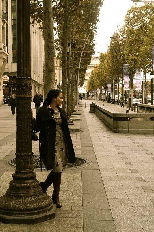 Sara.Ki Champs-Elysées -