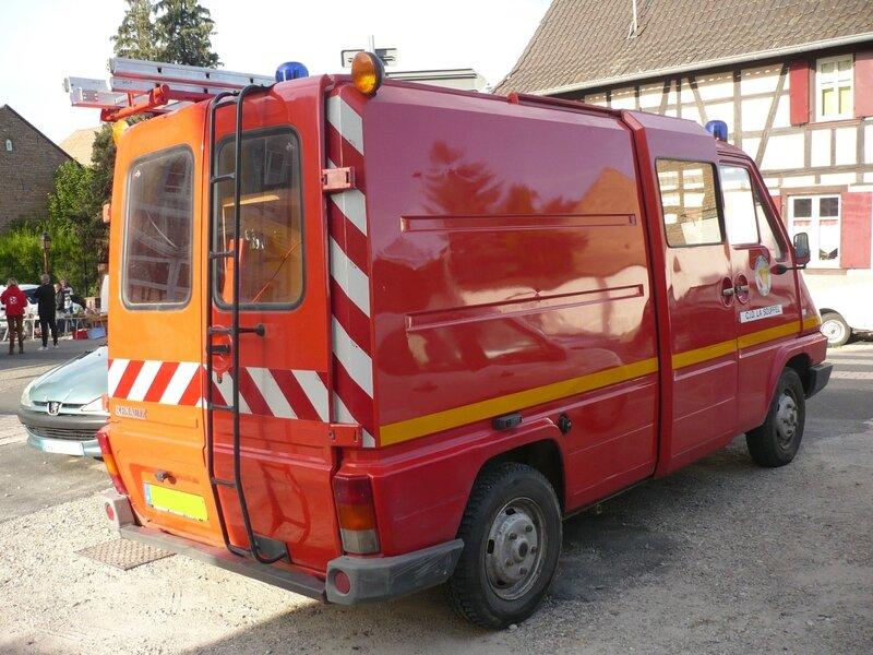 RENAULT Master I Camionnette d'Interventions Diverses Pompiers La Souffel Griesheim sur Souffel (2)
