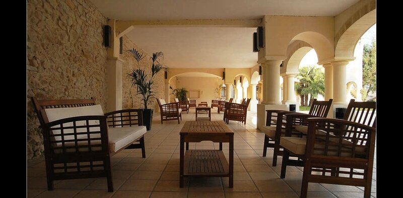 440894_986_485_FSImage_1_Domainedevalmontpatio