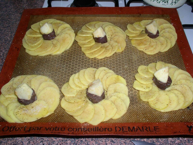 rosaces de pommes de terre au boudin noir passe moi ta recette. Black Bedroom Furniture Sets. Home Design Ideas