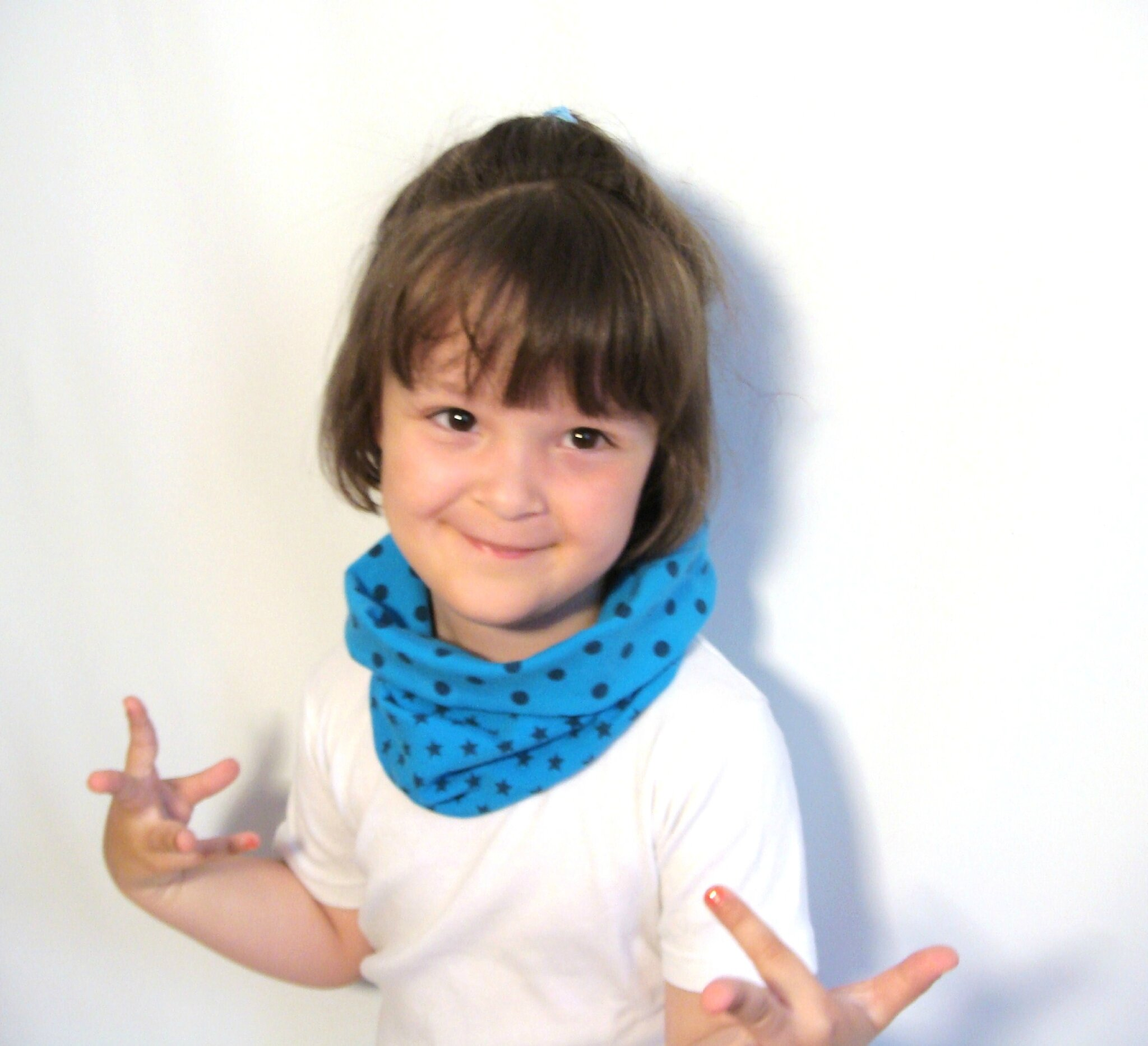 vendu tour de cou foulard et snood r versible pour enfant pois et etoiles bleu en jersey de. Black Bedroom Furniture Sets. Home Design Ideas