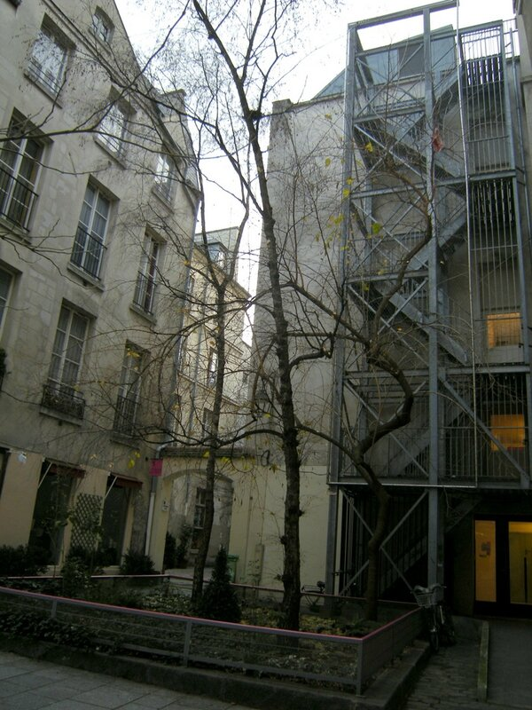 paris cour st paul 4