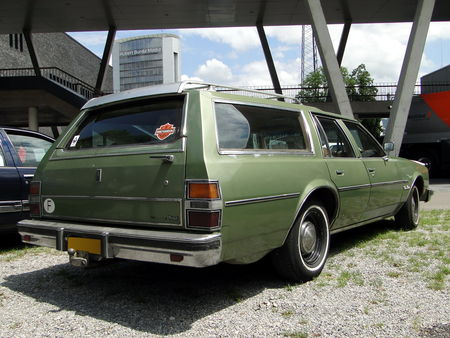 OLDSMOBILE Delta 88 Custom Cruiser Wagon 1979 RegioMotoClassica 2010 2