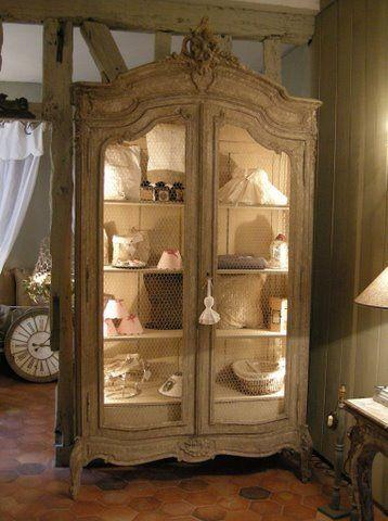 L\'armoire de Camille à Versailles - Baucis et Philémon