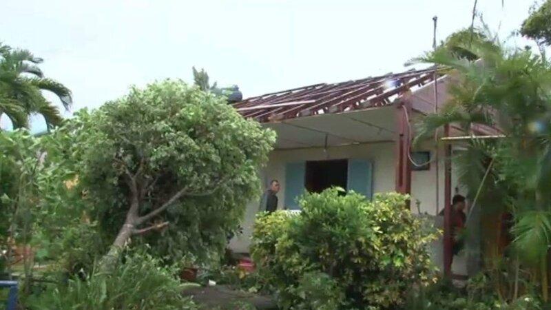 toiture-arrachee-cyclone-bejisa-la-reunion-11064532lzecl