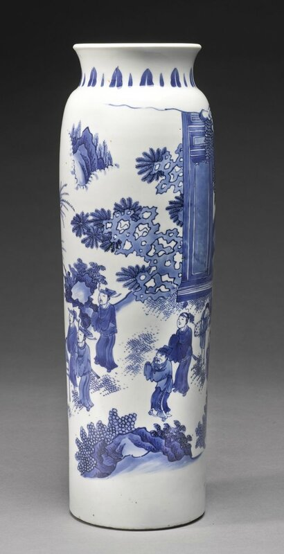 A fine blue and white sleeve vase, Ming dynasty, Chongzhen period 3