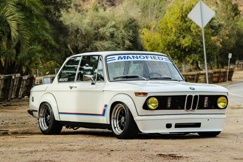 BMW-2002-Turbo-1200x799