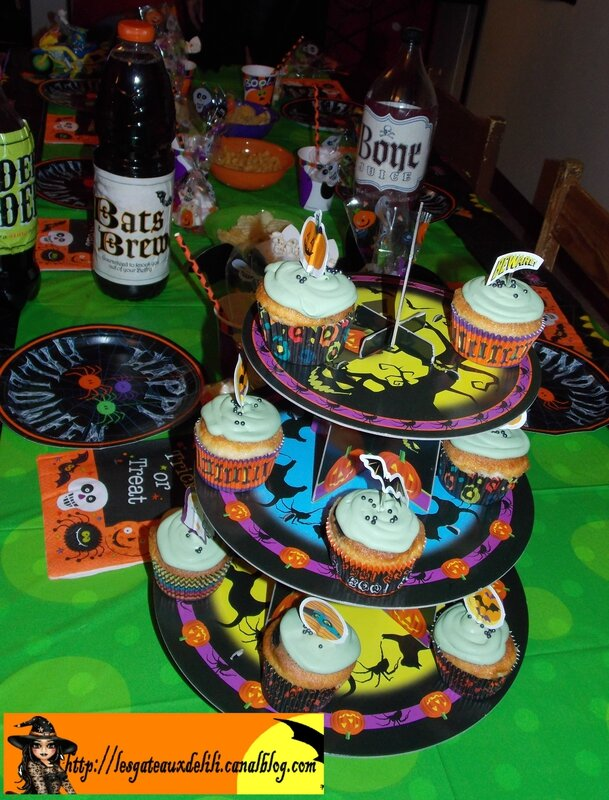 2013 10 23 - cupcakes et table halloween (10)