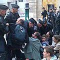 Violences policières à paris : le nouveau gouvernement n'a pas changé de méthode