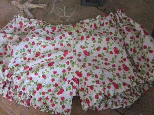 Culotte BIANCA en coton écru imprimé fraises - noeud de vichy vert (3)