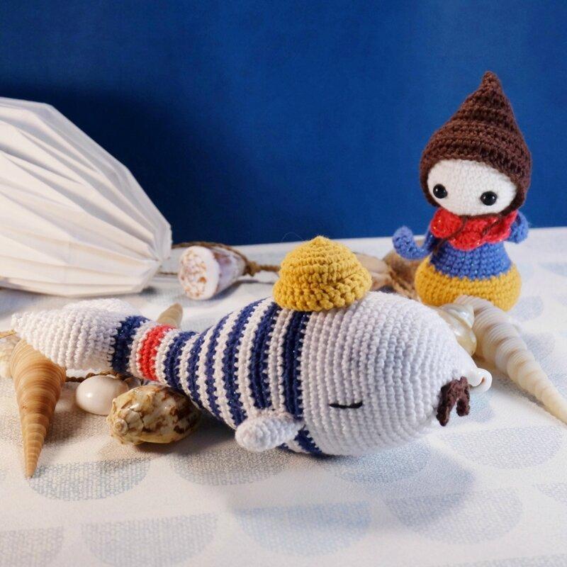cachalot-crochet-marin-hipster-01