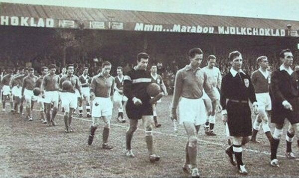1958 France Irlande Entrée des joueurs