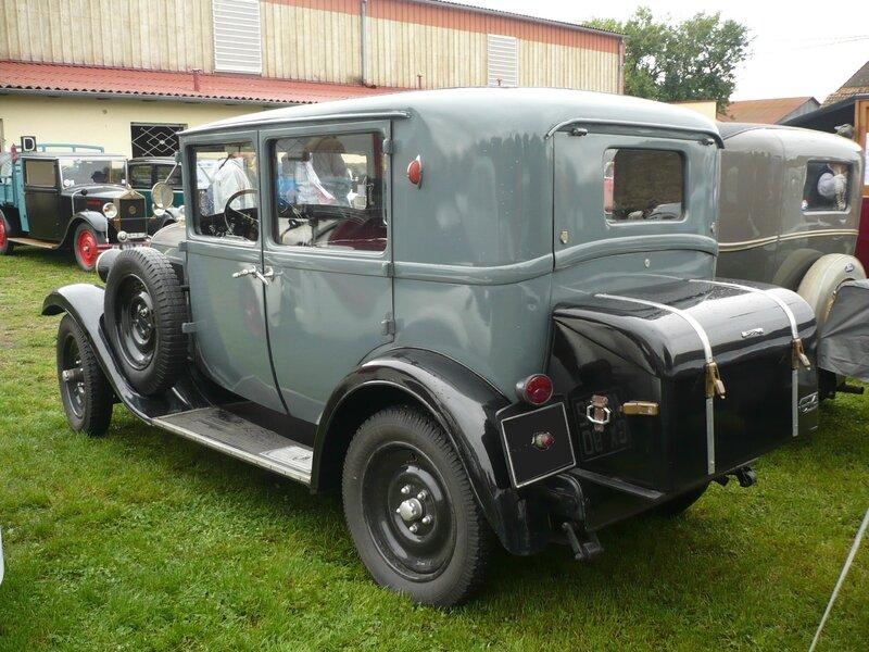 CITROËN C4 I-IX berline 1932 Rustenhart (2)