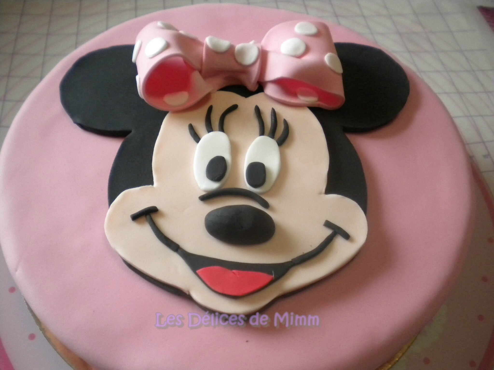 G teau minnie mouse en p te sucre tutoriel les d lices de mimm - Gateau mickey facile ...