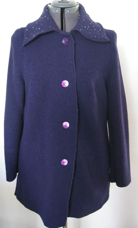 Veste laine bouillie, col perlé et pailleté, boutons de nacre bi