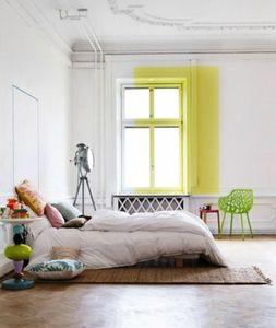 chambre tache jaune