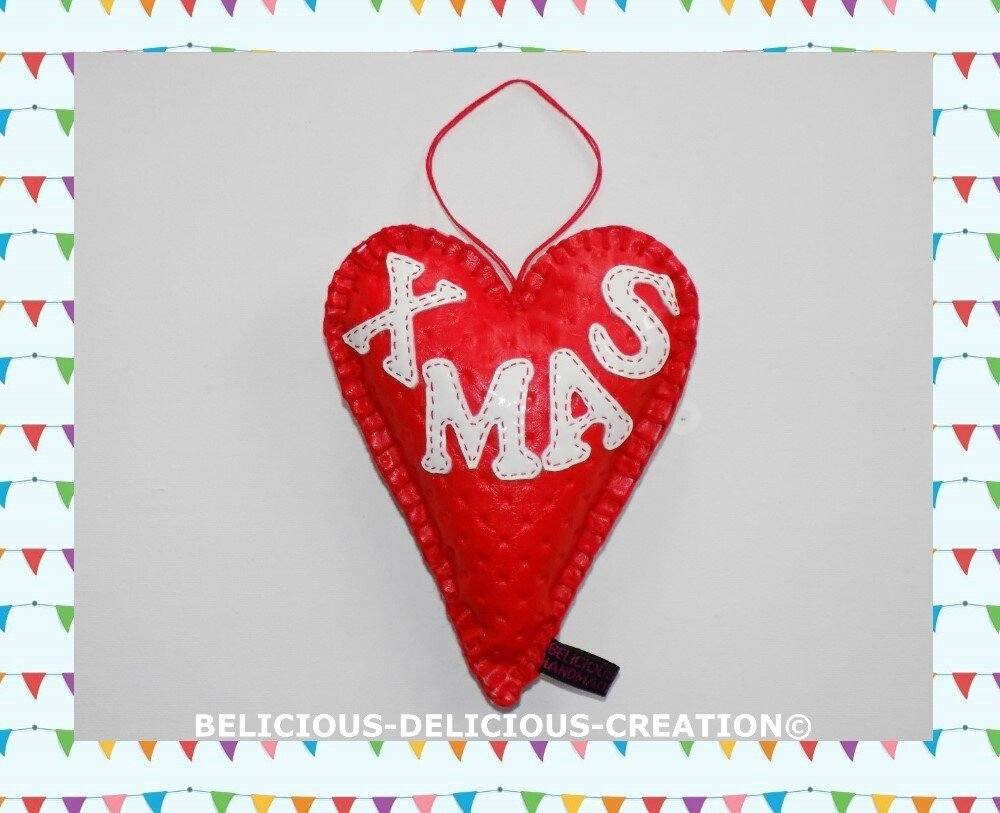 ORIGINAL coussin deco !! XMAS HEART !! en simili cuir rouge dore Taille 13.5cm x 18cm BELICIOUS-DELICIOUS CREATION