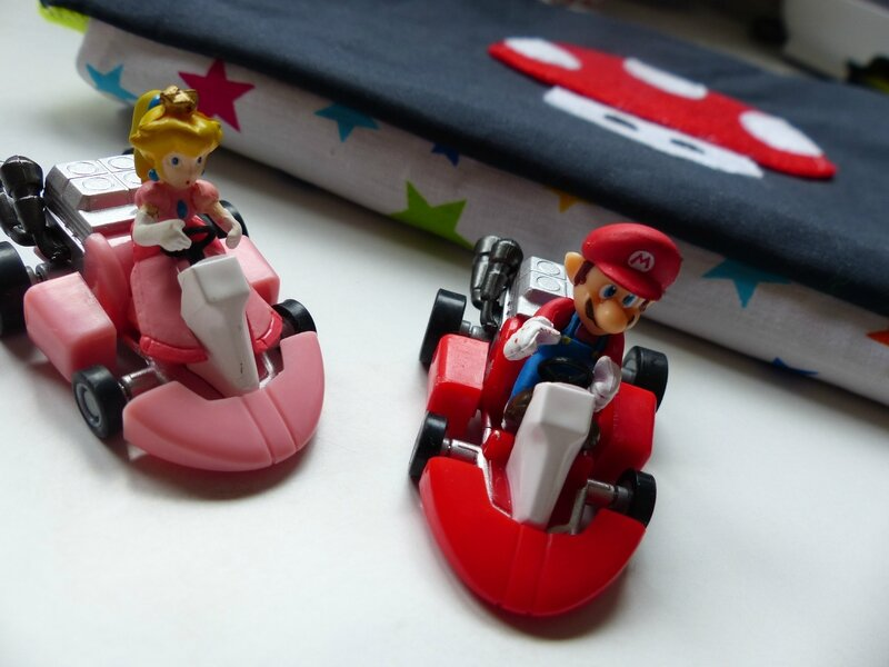 mario kart de poche margotte aux pomme. Black Bedroom Furniture Sets. Home Design Ideas