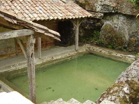 P8161561_Lavoir_de_castelmoron_d_Albret_en_Gironde