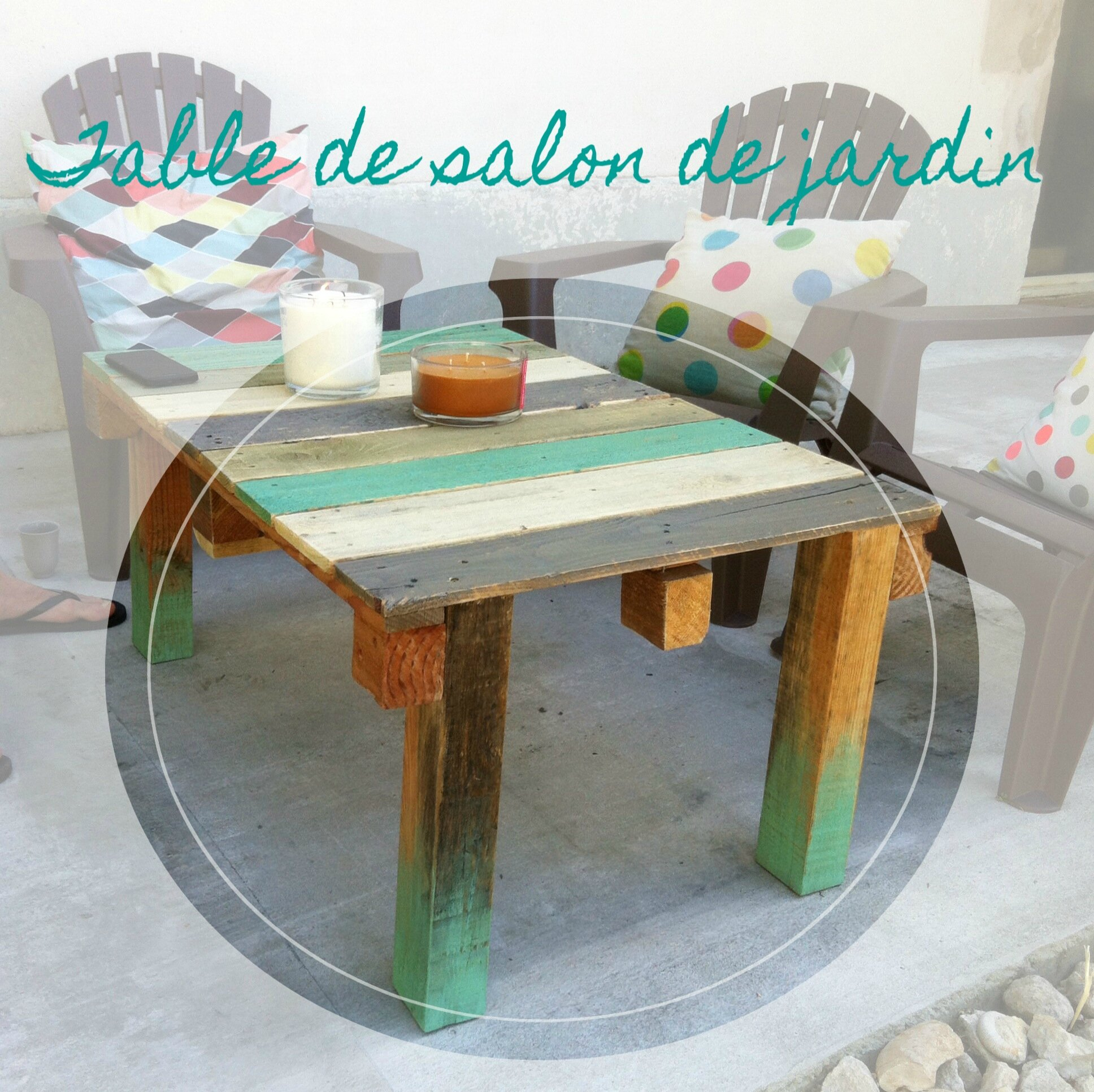 Beautiful table salon de jardin en palette gallery awesome interior home satellite for Construire table de jardin en bois