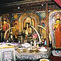 a13-img020_Kandy_temple_int