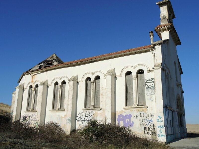 Labenne-Océan, chapelle Sainte Thérèse, façade sud (40)