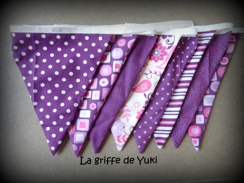 297 - Guirlande de fanions violette (2)
